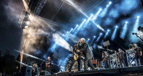 Trofast: Mosjøvenn kommer endelig tilbake. Åge Aleksandersen har spilt i Mosjøen i over 30 år, og kommer ikke til å skuffe publikum i år heller. Foto: Pressefoto