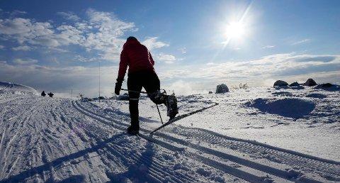 Eggedal  20170211. Skiløper i fine skiløyper i Eggedalsfjellet på vestsiden av Norefjell i Buskerud.  Foto: Erik Johansen / NTB scanpix