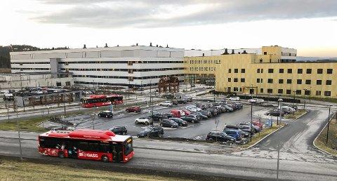 Kalnes: Sykehuset Østfold er stoppested for noen tålmodige pendlere. foto: espen vinje