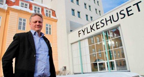LAVEST GODTGJØRELSE: Nye Troms og Finnmark har landets dårligst betalte fylkesordfører og fylkesvaraordfører. Det lever fylkesordfører Ivar B. Prestbakmo (Sp) godt med.