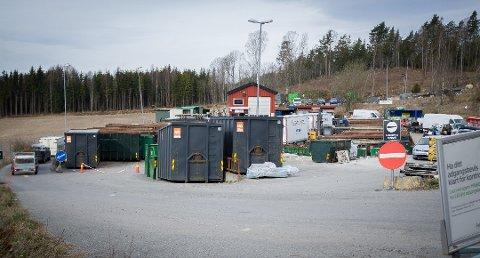 STENGT HALVE TORSDAG: Bølstad gjenvinningsstasjon er stengt til klokken to torsdag.