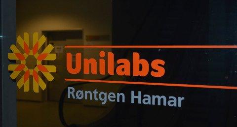 I HARDT VÆR: Unilabs Røntgen i Hamar er i hardt vær etter at to radiologer overså funn på røntgenbildene til flere pasienter. Helse Sør-Øst ser svært alvorlig på det inntrufne. (Foto: Bjørn-Frode Løvlund)