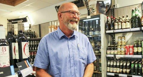 Rolf Eriksen, Vinmonopolet Tjøme, har hatt travle tider etter at det ble slutt på harryhandel.