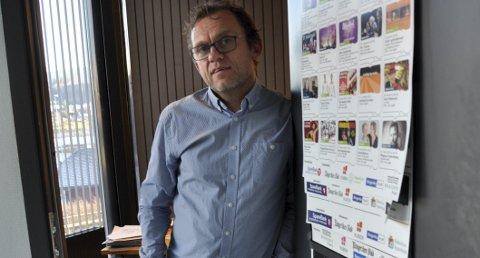 Røde tall etter årets første kvartal, gjorde at daglig leder Tage Hybertsen måtte ta noen grep. To av kultursenterets ansatte ble dermed sagt opp.