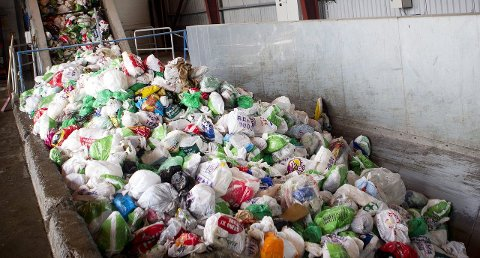 Er søppelsorteringen vi bedriver bare en symbolhandling?