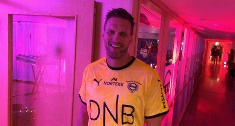 ÅRETS JULEGAVE: Frode Kippe (41) signerer ny kontrakt med LSK.
