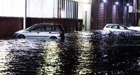 En ny karttjeneste lar deg se risikoen for stormflo der du bor. Dette bildet er tatt i Fredrikstad i 2015.