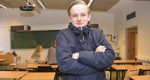 FIKK KULDESJOKK: – Mange elever kom til meg og var oppgitt over at de frøs, og måtte sitte med ytterklærne på i klasserommet, forteller elevrådsleder Felix Volpe.