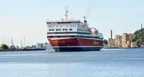 """MER TRAFIKK: Fjord Lines """"Oslofjord"""" har stadig flere passasjerer, og bidrar til selskapets vekst. (Foto: Kurt André Høyessen)"""