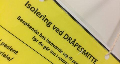 Influsensaen herjer i Telemark. Klinikksjef ber folk tenke seg om før de besøker syke.