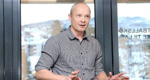EKSTRAORDINÆRT: Kjetil Holta fra Notodden har investert i Selvaag-aksjer. Det var lurt - nå kommer det 18 millioner kroner inn på konto som ekstraordinært utbytte.