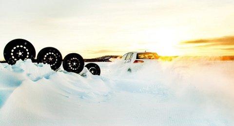 26 forskjellige dekk er testet i årets store vinterdekktest i Naf-magasinet Motor. Foto: Lasse Allard, Naf/ANB