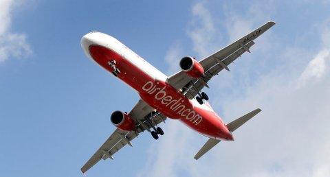 Konkursen til blant annet Air Berlin fører til økt kapasitet hos europeiske billigflyselskap neste år. Det gir igjen billigere billetter, men neppe i Norge. Foto: Michael Sohn, AP/ANB