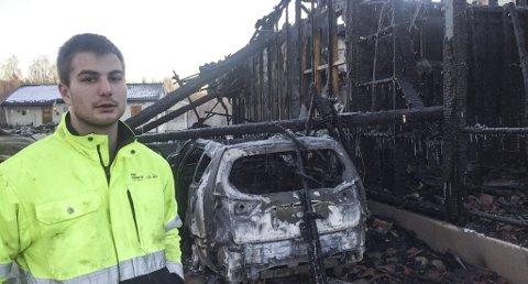 Var til stede: Mats Tjønnheim satt og så håndball-EM sammen med moren da brannen brøt ut. Han betegner brannen som eksplosivartet.