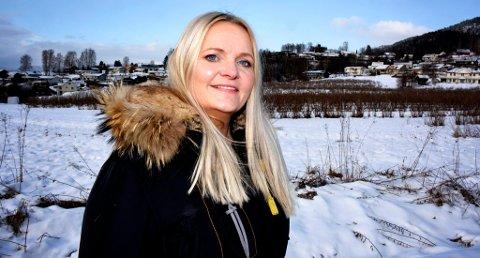 Senterpartiets stortingskandidat Åslaug Sem Jacobsen sier holdningene til Høyres stortingsrepresentant Solveig Sundbø Abrahamsen vil gjøre Telemark til underbruk og et filialfylke under Vestfold. FOTO: JARLE PEDERSEN