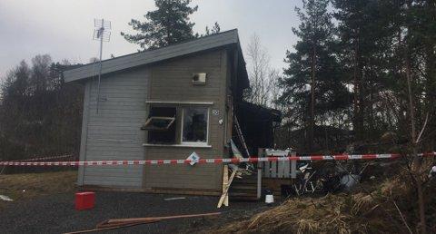 Skallet står igjen, men boligen er totalskadd innvendig. Foto: Edle Eidbo Hansen