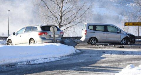 Ulykken har skjedd ved utkjøringen fra Heddalsveien ut på E 134. Foto: Beate Evensen, Telen