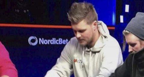 NR 18: Eks-heddølen, Erlend Selliseth Bakken, ble nr. 18 av over 2500 startende. Det regnes som svært bra etter bare to år bak pokerbordet.