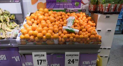 FULL KRIG: Prisen på appelsiner faller, mens debatttemperaturen stiger i norsk dagligvarebransje for tiden. Foto: Paul Weaver