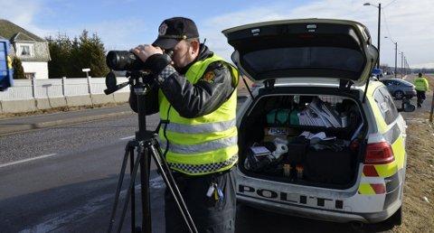 Politiet gjennomfører i dag ekstra mange fartskontroller over hele landet.