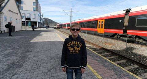 KOM IKKE AV: Emil kom seg ikke av toget da han skulle fra Kongsberg til Bø. Foto: Stine Ljungquist Knudsen