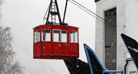 SER AN STORMEN: Det er forventet full storm i Telemark fredag kveld. Krossobanen følger situasjonen og vil stenge om det er nødvendig.