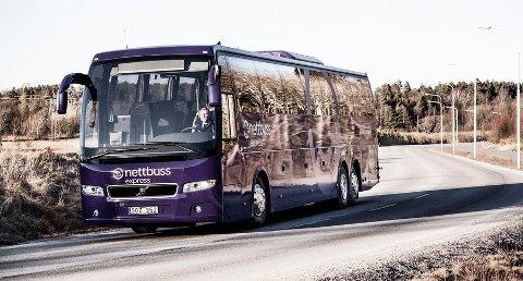 SUNNERE ØKONOMI: Linje 1 til Nettbuss Express har en sunnere økonomi etter at antall avganger ble redusert ved nyttår.