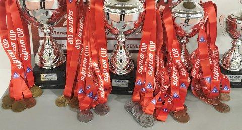 I helga er det jenter 13 år og jenter 17 år som skal kjempe om pokaler og medaljer i Slatlem Cup.