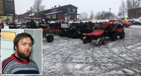 PÅ PLASS: Hjelpekorps fra Oppland rykket ut med både folk og materiell. Mats Holthe i Gjøvik Røde Kors fikk den første telefonen om bistand.