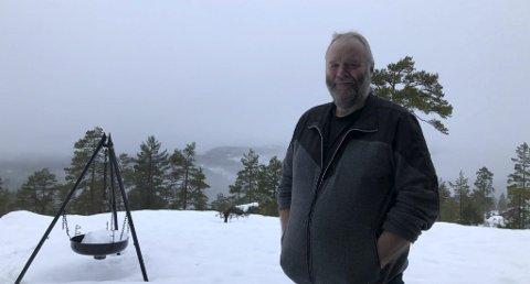 Tilhørlighet: Felle ligger i Nissedal, men det er få kilometer til Åmli, Vegårshei og Gjerstad. Tore føler en sterk tilhørlighet til nabokommunene. Foto: Siri Fossing