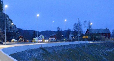 Bjørgo: Nødetatene tok turen til stedet, men kunne raskt gjøre vendereis. Det var fire personer i de to bilene, men ingen andre ble skadd i hendelsen. Sjåførene var til avhør da avisa Valdres kom til stedet.