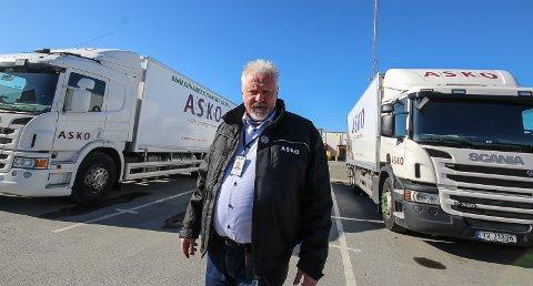 UNDER HØYTRYKK: - Det jobbes dag og natt for å fylle opp butikkhyllene, og vi klarer det, sier sjefen for grossistlagdet Asko Øst i Vestby, Ove Hennong Engen.