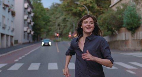 HOVEDROLLE: Renate Reinsve spiller sin første hovedrolle i «Verdens Verste Menneske» og har mottatt svært god omtale for sin skuespillerprestasjon.