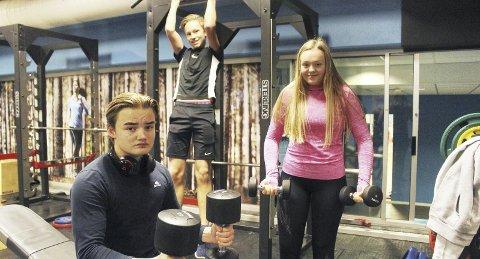 Trener seg heller til resultater: Karl Kristian Hjemdal (15), Ola Børve (15) og Hannah Rønhovde (15) er sikre på at de aldri vil bruke anabole steroider eller annen doping for å få raske resultater av treningen. – Doping gir mye muskler. Men det ødelegger kroppen, sakte, men sikkert, sier Hjemdal.