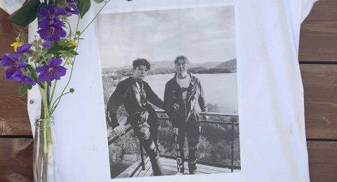 Stian Brekke (t.h.) med vennen Tobias Bøe Foss, som døde i trafikkulykken på Sørås.