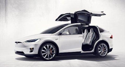 Tesla Model X fosser fram i det norske markedet, og er Norges nest mest solgte bil i mars.