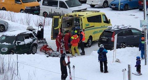ULYKKE: Søndag blei ein unge skadd i ei ulykke ved skisenteret på Vassenden.
