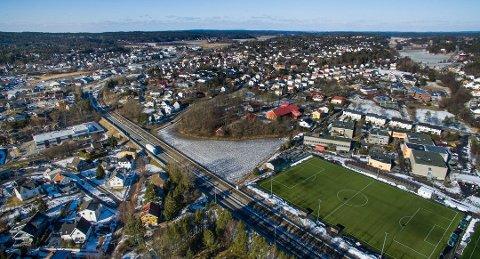 Tunnelalternativet Henning Aall argumenterer for skulle gå fra Onsøy stasjon og frem til Mercurbanen som vi ser midt på bildet.