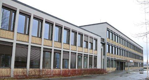 I KARANTENE: Rektor ved Narvik videregående skole, Anita Sletbakk bekrefter at en elev er beordret i karantene ved studiested Frydenlund.