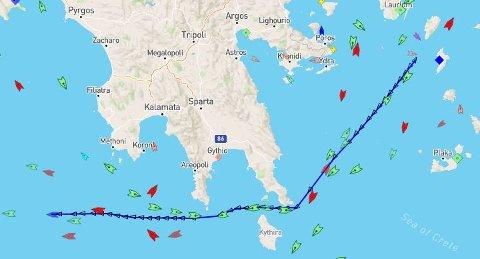 Hos Marine Traffic kan du følge Bastø IV på vei mot Norge.