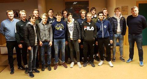 JUNIOR: Stig Brænden (til venstre) og Frode Grønberg (til høyre) blir trenere for Brandbus juniorlag neste sesong. Sist uke var det spillermøte med klubbens kommende juniorspillere.