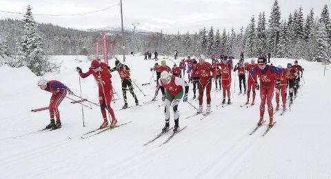 NOK SNØ I FJOR: I fjor var det rikelig med snø 28. februar da Åsan Rundt ble arrangert. I år må rennet utsettes.  FOTO: PER VIKAN