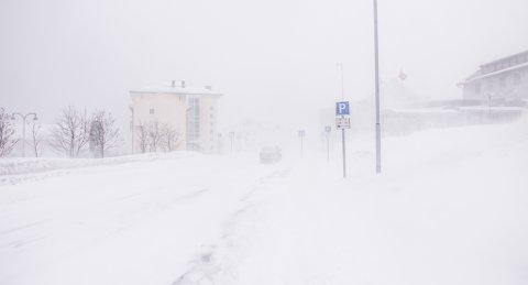 UROLIG VÆR: Meteorologen melder om urolig vær de neste dagene. Bilde tatt i Vadsø lørdag formiddag.