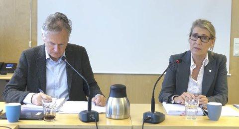 STYREMØTE: Leder Arne Benjaminsen og administrerende direktør Hulda Gunnlaugsdottir under styremøtet på Mo i Rana torsdag.