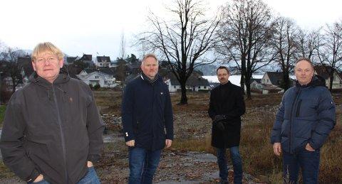 Brevik terrasse kommer her. Fra venstre daglig leder Skule Wærstad i Porsgrunn Utvikling, prosjektmegler Bjørn Johnson i Best Eiendomsmegling, markedssjef Lars Christensen i PBBL og daglig leder Arve Haugseter i FIHA Holding.
