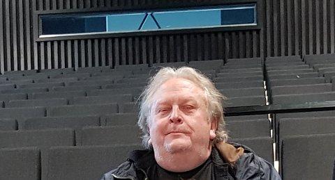 GOD PLASS: – Gledeshuset har så mange plasser, at vi kan klare å holde gode avstander med 200 publikummere, sier daglig leder i TBA, Erik Stokike.