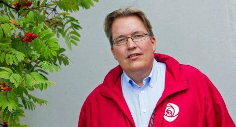 VIKTIG FOR MANGE: Sverre Myrli (Ap) er opptatt av å sikre at ingen som bor i grisgrendte strøk mister fasttelefonen før nye løsninger er på plass.