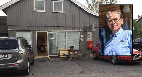 MIDLERTIDIG: Bjørnar Hynne har midlertidig åpnet Post i Butikk og tipping i dette lokalet Klavenesveien, et par hundre meter fra den gamle Joker-butikken, Bjørnar's. Neste år skal han overta en splitter nye Rema-butikk på Haukerød.