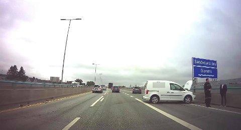 Tre biler var involvert i ulykken som skapte større trafikale problemer i Sarpsborg tirsdag. Ingen skal være skadet som følge av hendelsen.