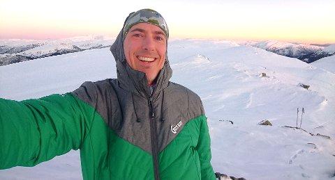 Mange har kastet seg på toppturtrenden, men det er ikke alle som har kunnskap om farene i fjellet, sier Øyvind Setnes i Tryg Forsikring.